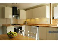 3 bedroom house in Upper Dumpton Park Road, Ramsgate, CT11 (3 bed) (#1047632)