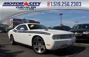 2012 Dodge Challenger R/T Low K's Sun Roof Heated Leather Seats  Windsor Region Ontario image 1