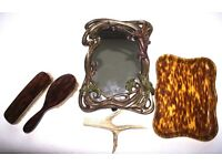FIVE LOVELY PIECES ART DECO STYLE MIRROR FAUX TORTOISESHELL TRAY CLOTHES BRUSH/HAIR MADE ENG FAB J4U