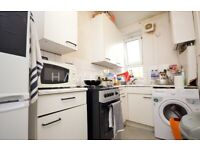 * 2 Bed flat with separate Living Room Bethnal Green/Whitechapel Part DSS OKAY*