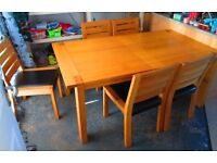 Sonoma Light Extending Dining Table (Solid American oak and oak veneer) + 6 Matching Sonoma Chairs