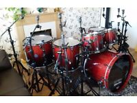 Mapex Saturn iv exotic with black plated stands and cases