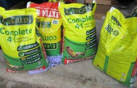 Evergreen complete 4 in 1 lawn feed weed & moss killer new and unopened, stored indoors. Each bag ..