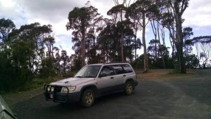 1998 Subaru Forester 4x4 - great for long road trips / backpacker