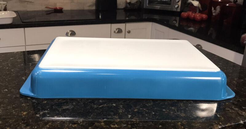 Vintage Pyrex 933 HORIZON BLUE Lasagna Baking Dish Pan Tray 13.5 x 8.75 X 1.75