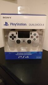 OFFICIAL WHITE PS4 CONTROLLER V2 - BRAND NEW + SEALED - COLLECT FROM HENDON, NW4