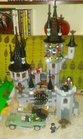 LEGO Monster Fighters Vampyre Castle 9468 (100% complete, with instructions, characters but no box)