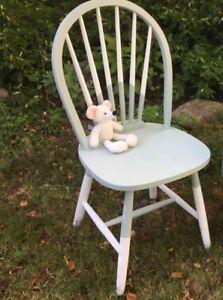 Chaise en bois revalorisée