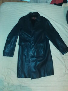 Danier Leather Trench Coat Excellent Condition -Large