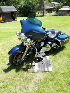 For sale  1998 Harley Road king.