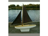 Vintage style pond yacht model sailing boat