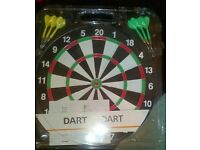 Dart Board Almost New Tiger with 6 pc Darts