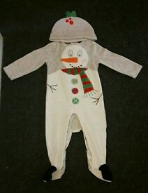 Baby Christmas Outfit & Hat. 12-18 Months. Great Condition!