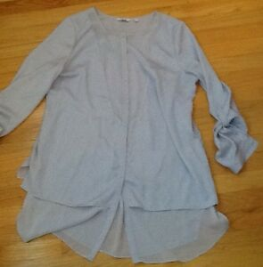 4 TOPS in great condition $5-$10 or 4/$25!!!!see all pics  grey