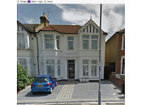 2 BEDROOM FIRST FLOOR FLAT - OFF THE DRIVE ILFORD