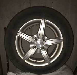 Kumho Solus KH16 summer tires with 5 point star Fast alloy wheel