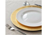 100 Round Charger Under Plates in Gold - 330mm. Perfect for weddings!