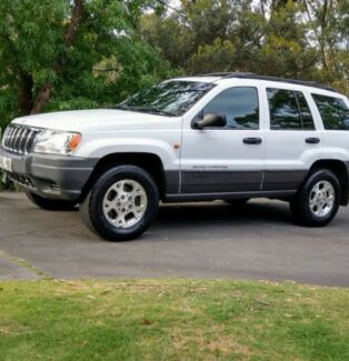4x4 Jeep Grand Cherokee Laredo 1999