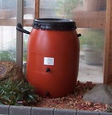 50 Gallon snap lid Terra Cotta Rain Barrel with Aunt Molly