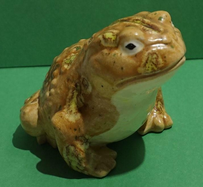 VINTAGE TOAD FROG HAND PAINTED CERAMIC FIGURINE