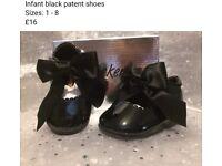 Infants black patent shoes