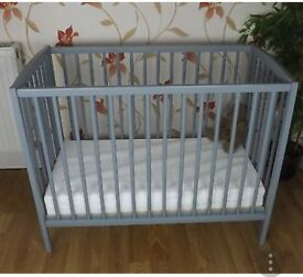 Mini Kai cot kinder valley grey with matress space saver
