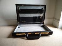 Black Mark Phillip Vintage Briefcase