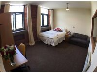 STUDIO Apartment 214 - Accommodation 3 min walk from Bradford University (Student or Professional)