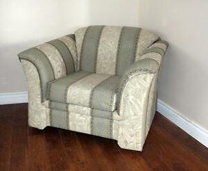 Beautiful Modern Contemporary Sofa & Chair Set SEE VIDEO