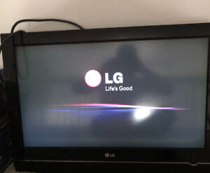 """32"""" LED HDMI WALL MOUNTED TV; $$$350$$$ OR BEST OFFER"""
