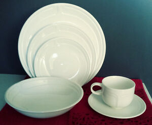 Johnson Bros' 6 Piece Place Setting West Island Greater Montréal image 1