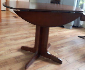 Drop leaf wooden table