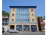 2 bedroom flat in Hotwell Road, Hotwells, Bristol, BS8 4RP