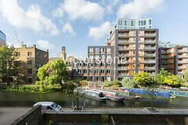 Massive studio with stunning canal views from Private BALCONY