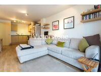 MODERN 1 Bed Flat with BALCONY near OLD STREET tube