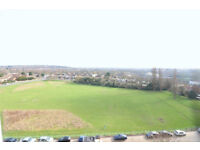 1 BED FLAT TO RENT IG8---WOODFORD---GOOD CONDITION---SPECTACULAR VIEWS