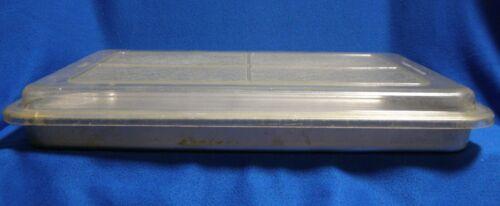 "Rema Aluminum Shallow Cake Pan 13 x 9 x 1 1/8"" w/ Plastic Cover"