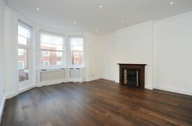 3 bedroom flat in Antrim Road, Belsize Park