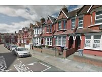 4 bedroom house in Ashford Road, Cricklewood