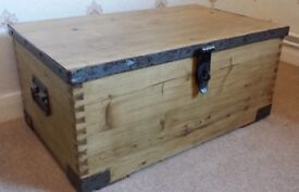 Vintage Wooden Trunk Chest Coffee Table Blanket Box