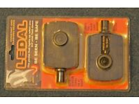 A pair of super safe be seen cycle pedals to fit all bikes.