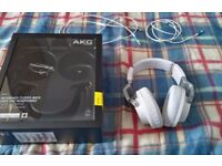 AKG K545 Closed-Back Foldable Headphones (Android/iPhone)