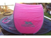 Pop up tent for 2 persons