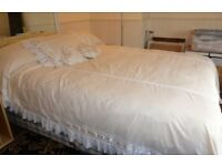 Beautiful Cream single Bedcover plus cushions