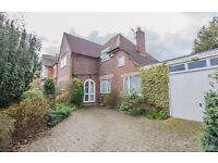 4 Bedroom House for rent in East Molesey - Short term let 3 to 6 months