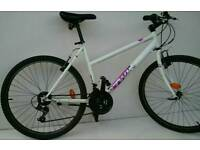 Womans White Hybrid Bike Size Medium Serviced and in Full Working Order with LEDS and Side Stand