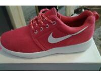 Nike running trainers size 38