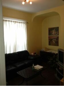 3 BEDROOM HOUSE FOR RENT CLOSE TO UWO