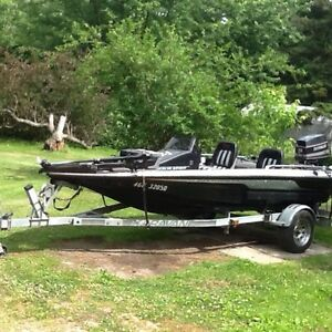 1990 Bass boat