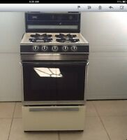 """24"""" gas stove in good condition!!"""